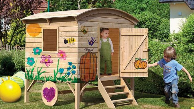 Kinderspielhaus Bauwagen