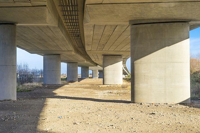 Brücke - Beispiel für Punktfundament