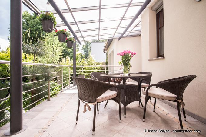 Terrassenüberdachung Glas mit Aluprofilen