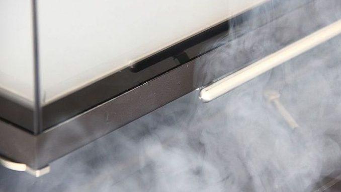 Abgase entweichen aus Kaminofen in den Aufstellraum, wenn in diesem Raum Unterdruck herrscht