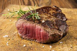 gegrilltes Steak blutig
