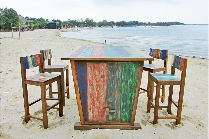 Recyclingholz-Gartenmöbel aus ehemaligen Fischerbooten | Bild: Outflexx
