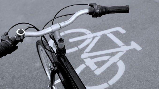 Fahrradfahren auf Fahrradweg