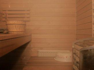 Finnische Sauna mit Saunaofen