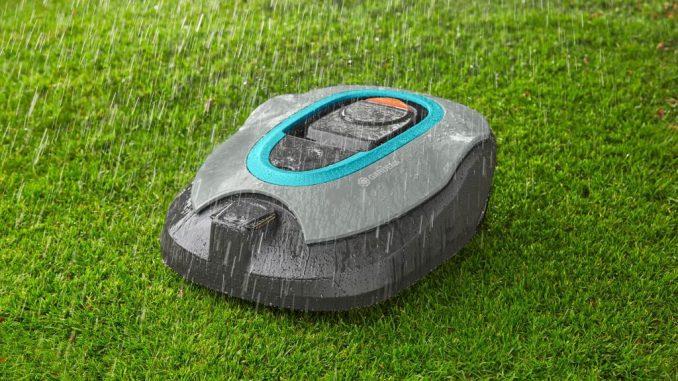 Rasenroboter smart Sileno+ im Regen | Bild: Gardena