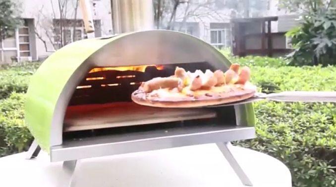 Tragbarer Pizzaofen/Holzbackofen | Bild: Freiluftküche