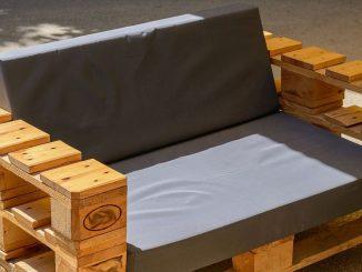 gartenm bel pflegen tipps f r holz metall und kunststoff. Black Bedroom Furniture Sets. Home Design Ideas