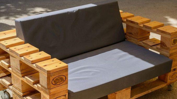 palettenm bel gartenm bel aus europaletten. Black Bedroom Furniture Sets. Home Design Ideas