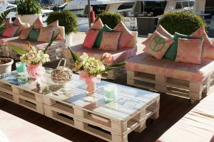 Palettenmöbel Sessel und Tisch