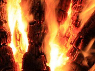 Kaminfeuer, Holz-Verbrennung | Bild: maho fotolia.com
