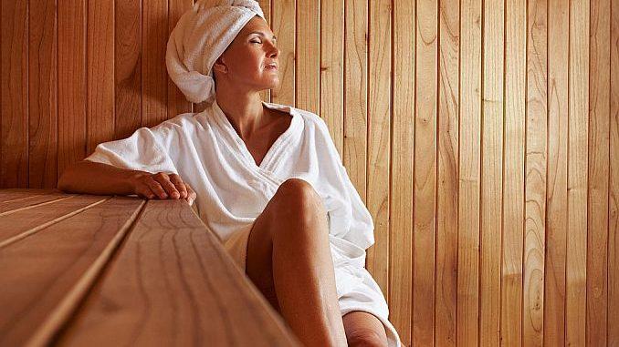 Frau in der Sauna | Robert Kneschke fotolia.com