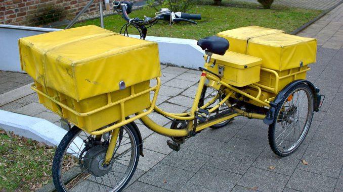 Elektrisch angetriebenes Lastenrad: Hecklader, drei Räder | Bild: Martin Henke stock.adobe.com