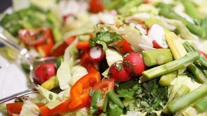 Salat mit Spargel | Bild: wirdefalks